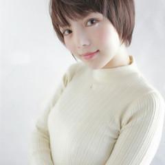 フェミニン ショート 縮毛矯正 ストレート ヘアスタイルや髪型の写真・画像