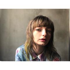 デザインカラー ウルフカット ハイライト ミディアム ヘアスタイルや髪型の写真・画像