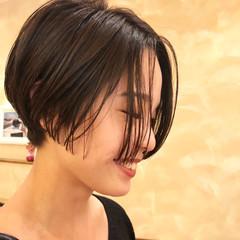 ナチュラル セミウェット ニュアンス ショートボブ ヘアスタイルや髪型の写真・画像