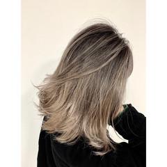エレガント グラデーションカラー バレイヤージュ エアータッチ ヘアスタイルや髪型の写真・画像