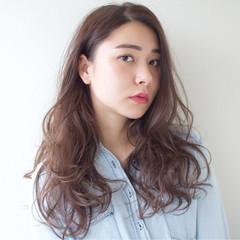レイヤーカット 大人女子 ロング ナチュラル ヘアスタイルや髪型の写真・画像