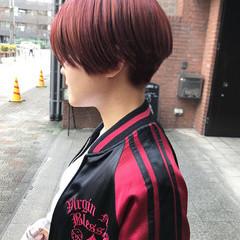 チェリーピンク ショート ラズベリーピンク ベリーピンク ヘアスタイルや髪型の写真・画像