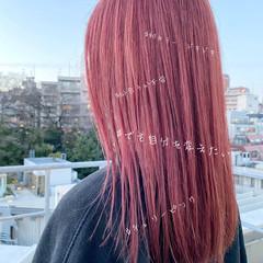 インナーカラー ロング 透け感ヘア フェミニン ヘアスタイルや髪型の写真・画像