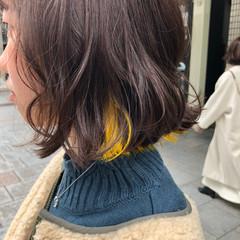 インナーカラー ボブ イエロー ブリーチ ヘアスタイルや髪型の写真・画像