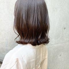 ナチュラル くびれボブ ミディアム 切りっぱなしボブ ヘアスタイルや髪型の写真・画像
