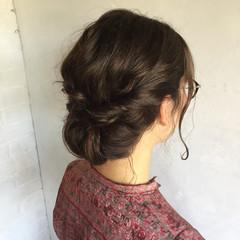 オフィス 結婚式 ヘアアレンジ ナチュラル ヘアスタイルや髪型の写真・画像