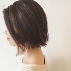 ナチュラル インナーカラー アッシュ ストレート ヘアスタイルや髪型の写真・画像