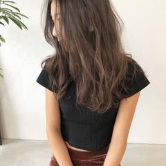 ナチュラル アッシュベージュ ミルクティーベージュ ベージュ ヘアスタイルや髪型の写真・画像