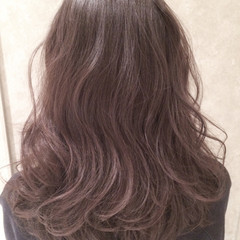 セミロング ストリート グラデーションカラー アッシュ ヘアスタイルや髪型の写真・画像