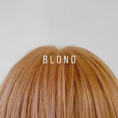 ベージュ セミロング デザインカラー ブリーチカラー ヘアスタイルや髪型の写真・画像