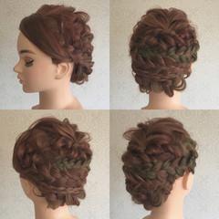 セミロング 結婚式 フェミニン 波ウェーブ ヘアスタイルや髪型の写真・画像