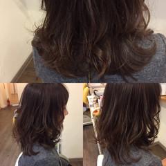 アッシュベージュ 春 ロング グラデーションカラー ヘアスタイルや髪型の写真・画像