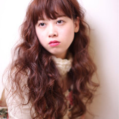 外国人風 ナチュラル ロング フェミニン ヘアスタイルや髪型の写真・画像