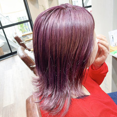 ミディアム アッシュグレージュ ピンクアッシュ 切りっぱなしボブ ヘアスタイルや髪型の写真・画像