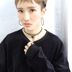 ベリーショート ショート 外国人風 刈り上げ ヘアスタイルや髪型の写真・画像