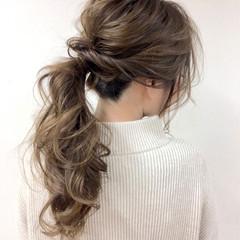 グレージュ 大人女子 ルーズ 外国人風 ヘアスタイルや髪型の写真・画像
