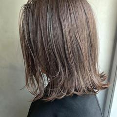 アッシュグレージュ オリーブカラー オリーブアッシュ ボブ ヘアスタイルや髪型の写真・画像