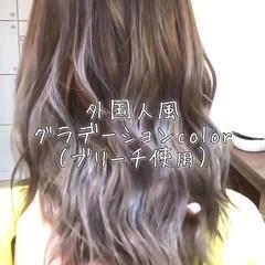 ヘアアレンジ アッシュグレージュ 外国人風カラー ストリート ヘアスタイルや髪型の写真・画像