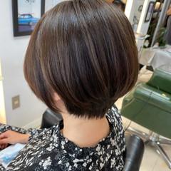 ショートボブ 大人女子 フェミニン ショート ヘアスタイルや髪型の写真・画像