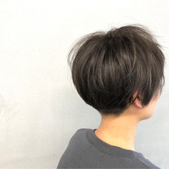 マッシュ 刈り上げ レイヤーカット ナチュラル ヘアスタイルや髪型の写真・画像