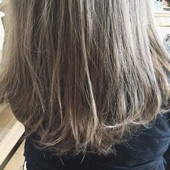 ストリート ロング グレージュ ハイトーン ヘアスタイルや髪型の写真・画像