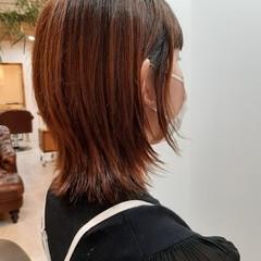 フェミニン ミディアム ウルフカット 切りっぱなしボブ ヘアスタイルや髪型の写真・画像