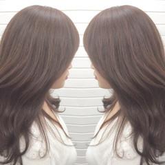 グレージュ フェミニン ニュアンス ハイライト ヘアスタイルや髪型の写真・画像
