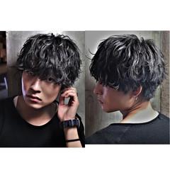 メンズパーマ メンズスタイル ミディアム メンズカット ヘアスタイルや髪型の写真・画像