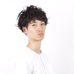 リラックス ショート パーマ 黒髪 ヘアスタイルや髪型の写真・画像
