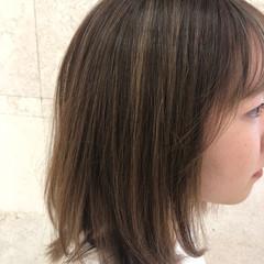ナチュラル ミディアム ハイライト 極細ハイライト ヘアスタイルや髪型の写真・画像