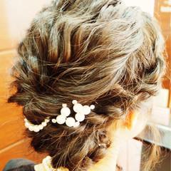 ヘアアレンジ セミロング 波ウェーブ 二次会 ヘアスタイルや髪型の写真・画像