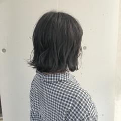 外ハネ グレージュ ショート ボブ ヘアスタイルや髪型の写真・画像