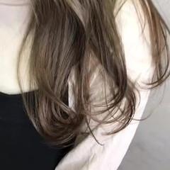 成人式 ベージュ 前髪あり ミルクティー ヘアスタイルや髪型の写真・画像