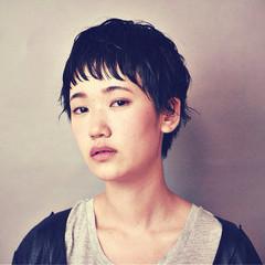 前髪あり 暗髪 ショート ストリート ヘアスタイルや髪型の写真・画像