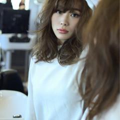 フェミニン セミロング 透明感 秋 ヘアスタイルや髪型の写真・画像