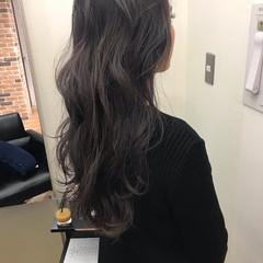 ハイライト 透明感 ウェーブ ナチュラル ヘアスタイルや髪型の写真・画像