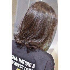 ラベンダーグレージュ グレージュ ナチュラル ダークグレー ヘアスタイルや髪型の写真・画像