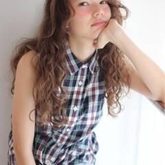 外国人風 春 ストリート ロング ヘアスタイルや髪型の写真・画像