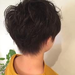 ナチュラル 刈り上げ ショート 黒髪 ヘアスタイルや髪型の写真・画像