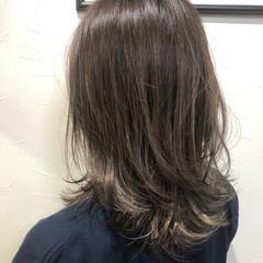 デート ナチュラル アウトドア アンニュイほつれヘア ヘアスタイルや髪型の写真・画像