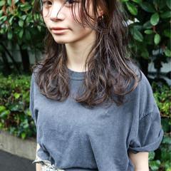 レイヤーカット ナチュラル こなれ感 ミディアム ヘアスタイルや髪型の写真・画像