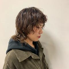 ミディアム ブリーチ 無造作パーマ パーマ ヘアスタイルや髪型の写真・画像