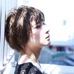 ウェットヘア ウェーブ モード 外国人風 ヘアスタイルや髪型の写真・画像