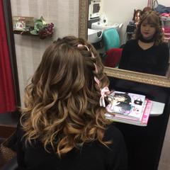 ヘアアレンジ ミディアム ガーリー 結婚式 ヘアスタイルや髪型の写真・画像