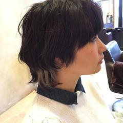 ショート ダブルカラー 黒髪 ウルフカット ヘアスタイルや髪型の写真・画像