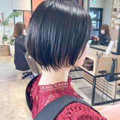 ショートヘア ひし形シルエット 大人女子 ショートバング ヘアスタイルや髪型の写真・画像