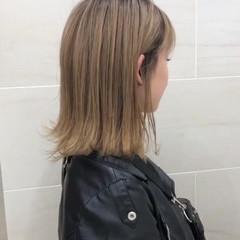 ガーリー ミディアム 外ハネ アンニュイほつれヘア ヘアスタイルや髪型の写真・画像