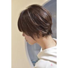 ショート 小顔ショート ショートヘア ナチュラル ヘアスタイルや髪型の写真・画像