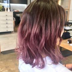外ハネ ラベンダーピンク モード ミディアム ヘアスタイルや髪型の写真・画像