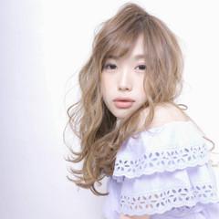 フェミニン ガーリー ハイライト ピュア ヘアスタイルや髪型の写真・画像